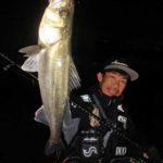 夜釣りの自撮り撮影!補助ライトと三脚があればスマホでもOK~